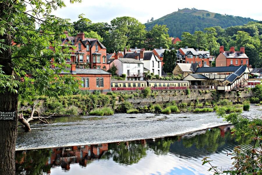 picturesque llangollen view from riverside park