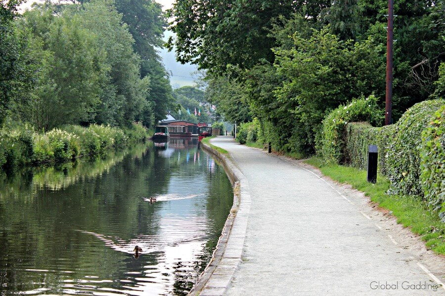 tow path llangollen canal