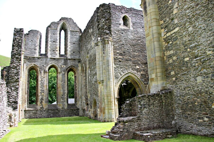 valle crucis abbey church