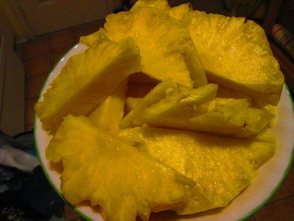 How to prepare pineapple by Bless Mercado