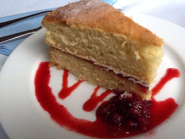 Sponge Cake @ Jane Austen Museum in Bath, Photo by PH Morton