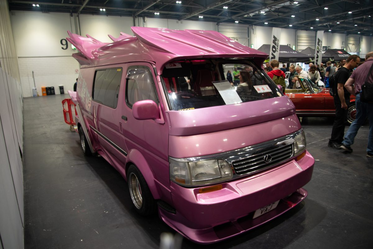 Toyota HiAce Super Custom (1995)