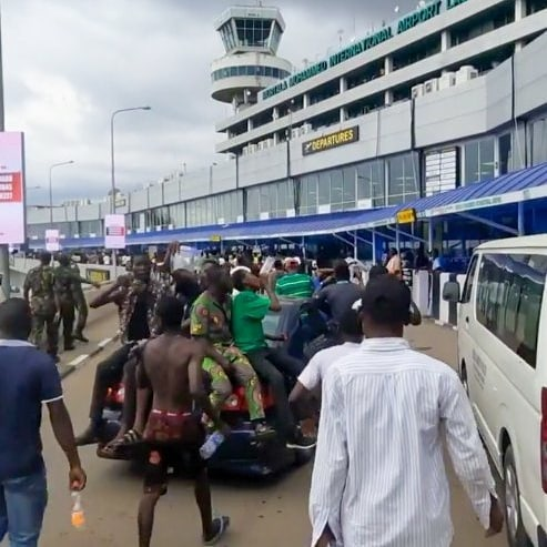 Video Of EndSARS Protesters Storming Lagos Airport