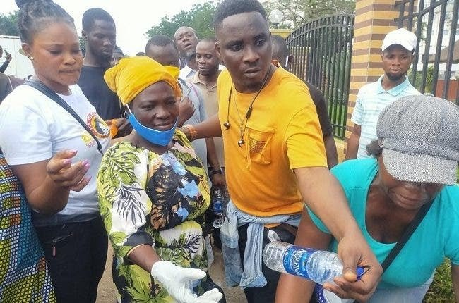 Video Of The Moment Fuji artiste Pasuma Was Booed By #EndSARS Protesters At Alausa, Ikeja