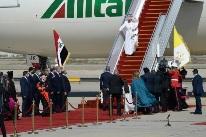 Video And Photos Of Pope Francis Arriving Baghdad, Iraq