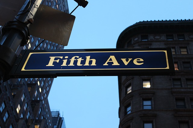 Fifth Avenue, a shopping Mecca!