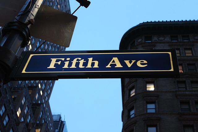 Fifth Avenue, a shopping Mecca!