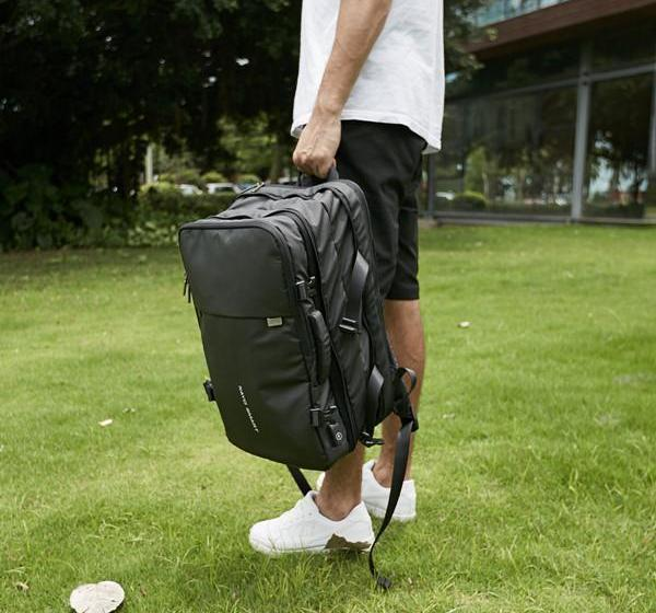 the ideal digital nomad backpack?we review the NayoSmart EXP
