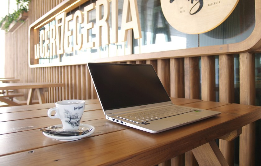 digital nomad laptop in a valencia cafe