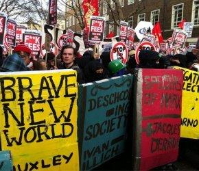 London's burning - Migliaia in piazza, la legge passa, assalto al Ministero del tesoro!