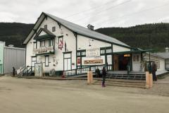 Spielhalle mit Schankerlaubnis seit 1898, als der Klondike-Goldrausch gerade begann.