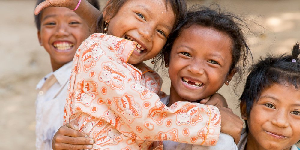 Volunteer in Cambodia with the amazing kids!
