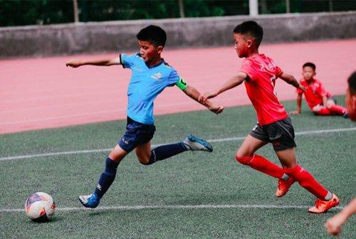 Shaolin martial arts school promotes soccer on campus 10