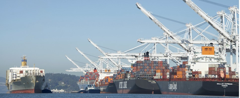The port of Oakland has a plan to keep gates open on Saturday a move that would expedite transportation of shipments of import cargo and shipments of export cargo and provide a logistics ad supply chain solution for cargo owners and carriers.