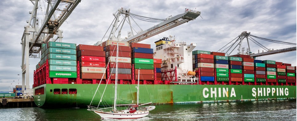 HSBC forecast sees more shipments of export cargo and import cargo in international trade in medium to long term.