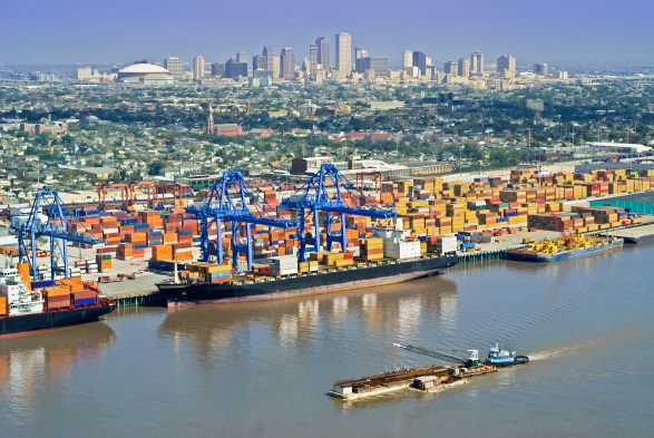 The port of New Orleans handled more shipments of export cargo and import cargo in international trade in 2015.
