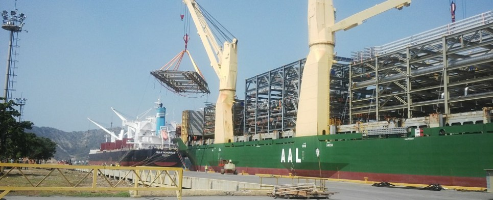 AAL's project and tramp division handles shipments of export cargo and import cargo in international trade.