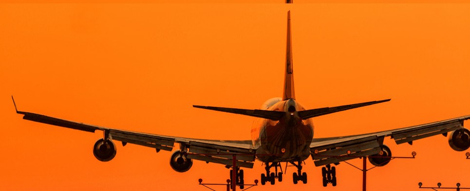 Airlies seek to reduce carbon footprint of carrying shipments of export cargo and import cargo in international trade.