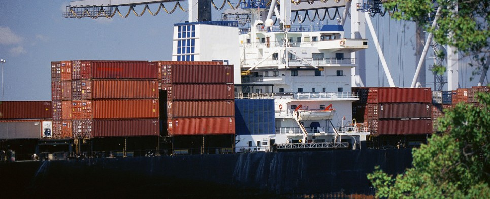 Port authorities in discussion agreement on shipments of export cargo and import cargo in international trade.