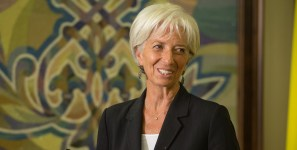 IMF director discusses shipments of export cargo and import cargo in international trade.