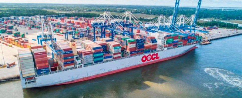 Port of Charleston is handling more shipments of export cargo and import cargo in international trade.