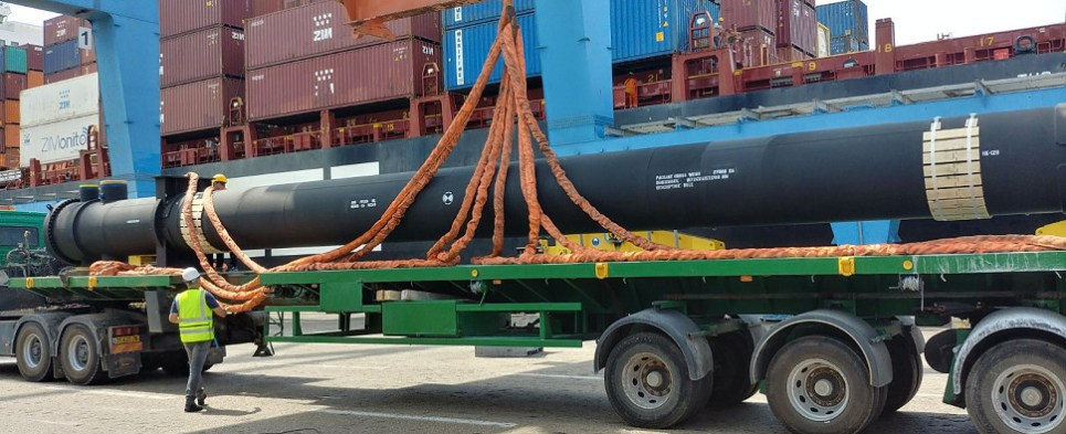 Zim carries special shipments of export cargo and import cargo in international trade.