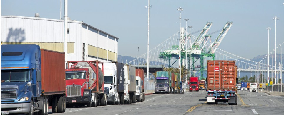 The port of Oakland handled more shipments of export cargo and import cargo in international trade in 2017.