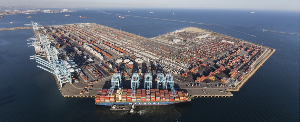 US ports handle more shipments of export cargo and import cargo in international trade.