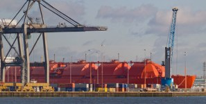 US expects more LNG shipments of export cargo and import cargo in international trade.