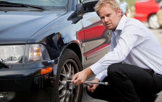 How to Change the Flat Tire safely?