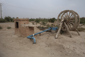 Groundwater well with measuring device in Minqin, China © Aarnoudse