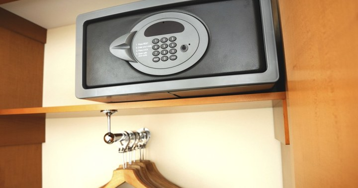 5 Tips on How to Keep Your Valuables Safe in a Hotel Room