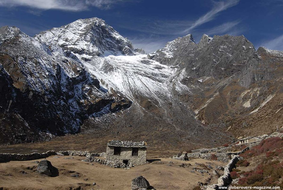 Hiking north of Village of Dole (4,048m), Nepal