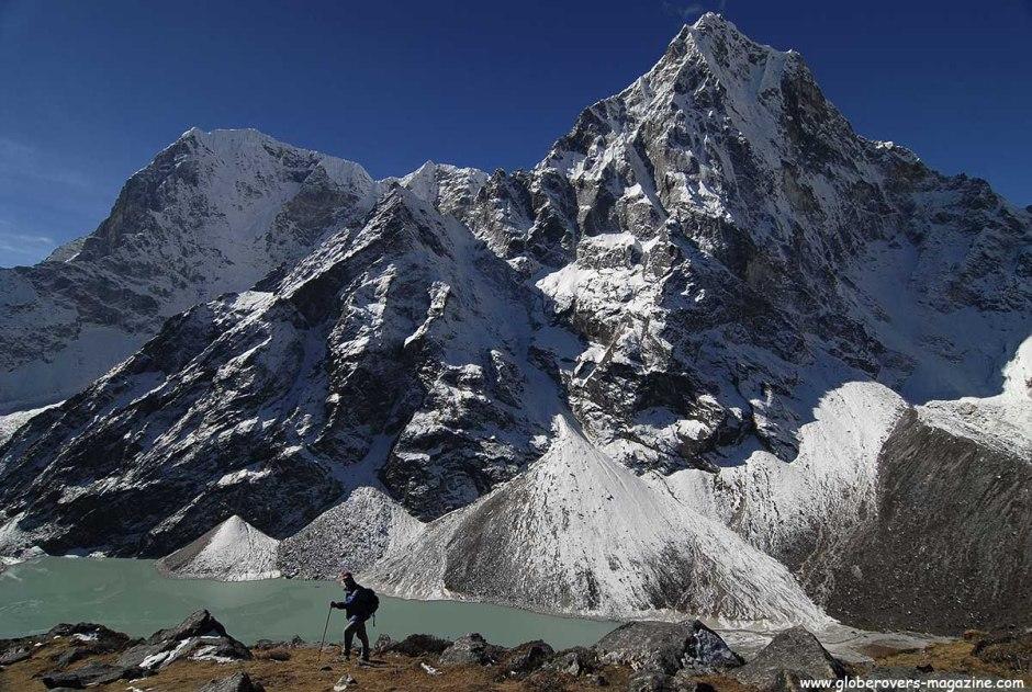 Chola Tsho (4,590), Chola Glacier to the left, south of Dzonglha, Nepal