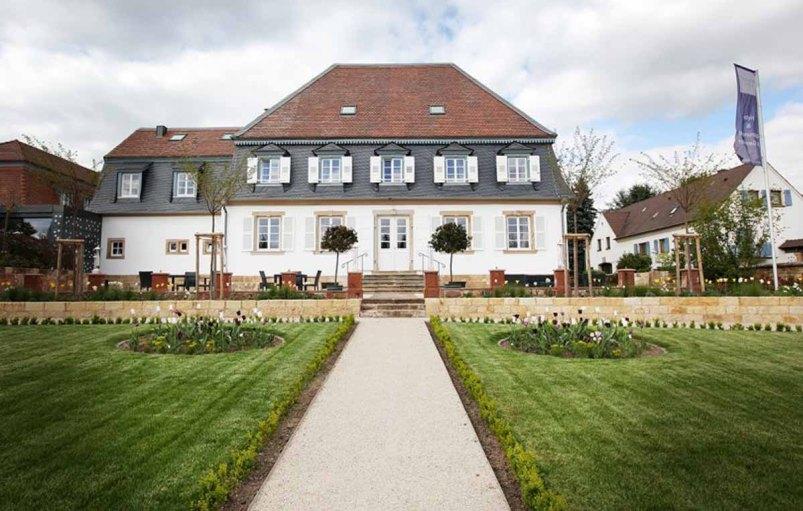 Weinstrasse - Schlössl Oberotterbach - Hotel Aussen