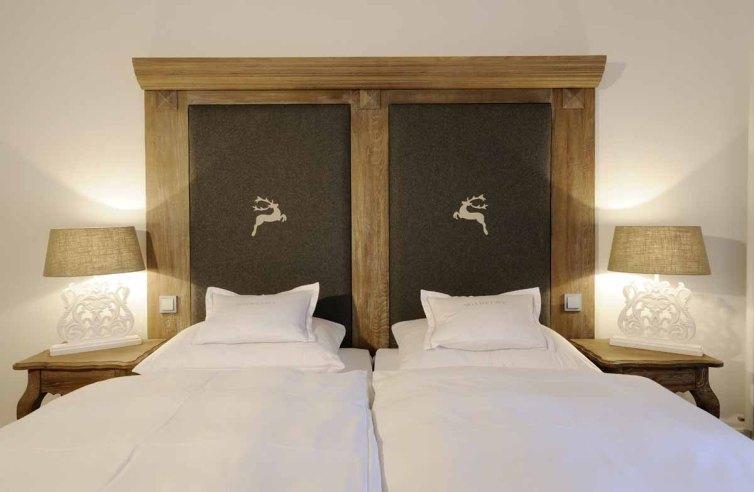 Ein Doppelzimmer im Hotel Relais Chalet Wilhelmy