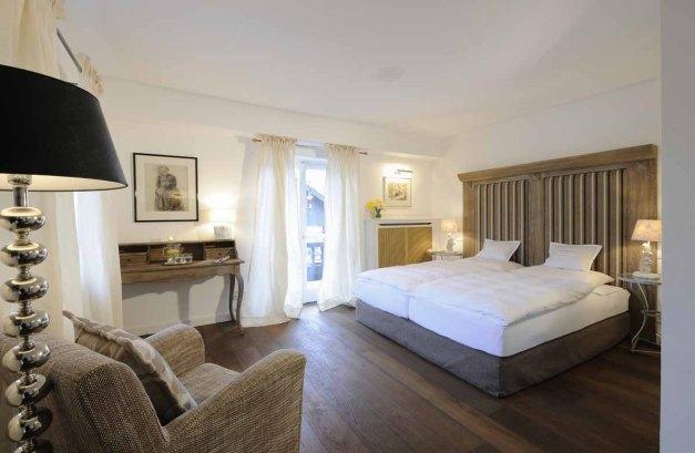 Tegernsee - Relais Chalet Wilhelmy - Doppelzimmer Bett