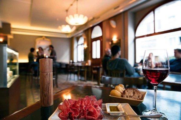 Die-besten-Bars-in-Basel10
