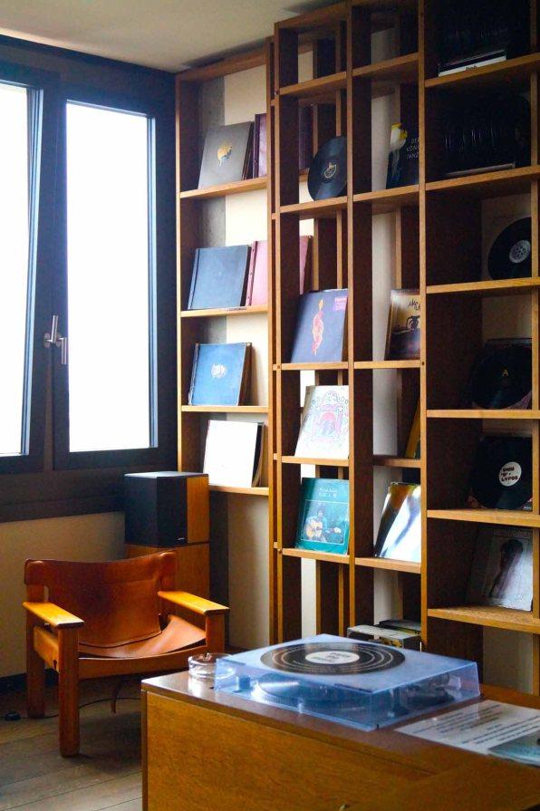 25hours Hotel Hamburg Vinyl Room