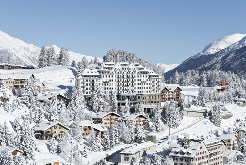 Wie ein Märchenschloss: Das Carlton St. Moritz im Winterkleid