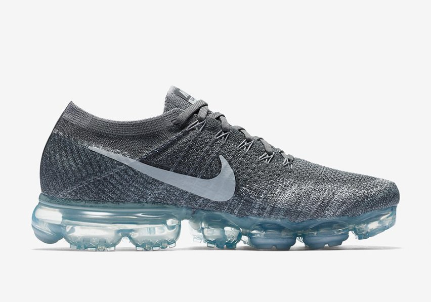 nike-vapormax-dark-grey-men-women-03