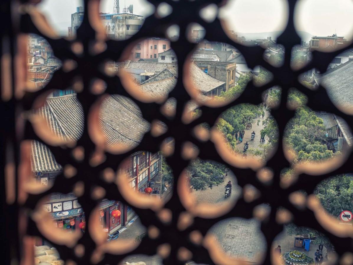 Der Blick vom Stadttor auf die Strassen der Stadt - © Nico Schaerer, nuvu.ch