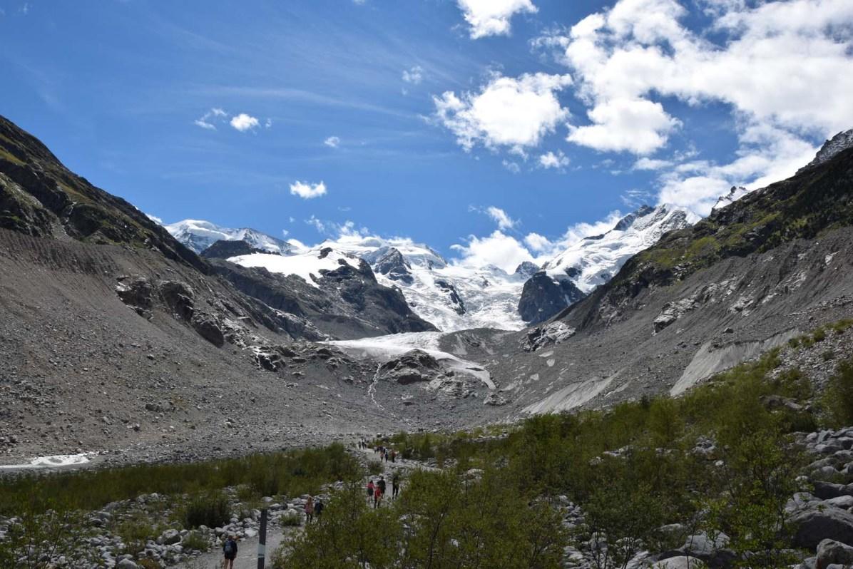 Ein Ausflug zum Morteratsch Gletscher lohnt sich.
