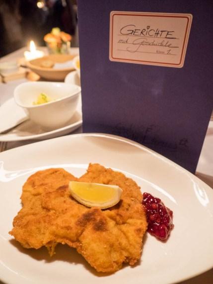 Das Schnitzel im Restaurant Schulhaus ist bekannt im Zillertal