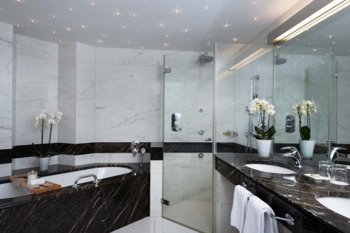 Lifestyle_Suite_Bathroom