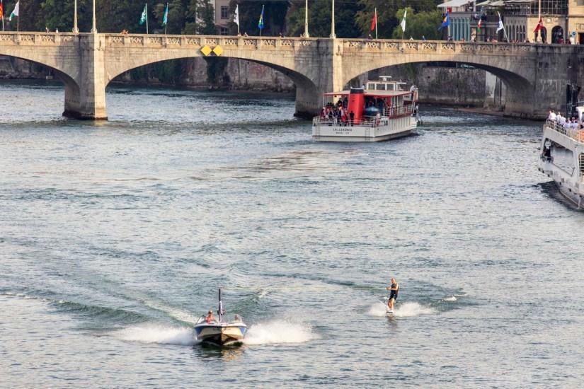 Basel Schifffahrt Rhystaern Schleusenfahrt 17