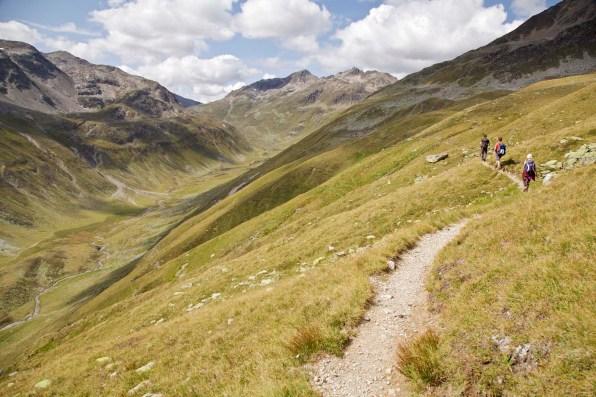 Fernwandern von Davos nach Berguen auf dem Kesch Trek