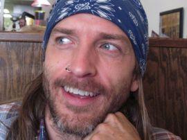 Mark-Eyeball-Kneestern-smiling