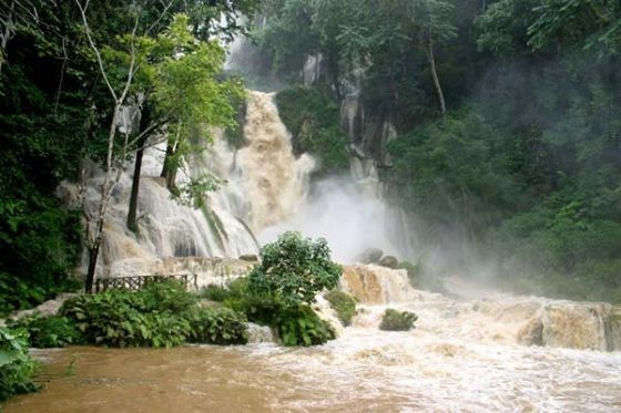 Tat Kuang Si Waterfall