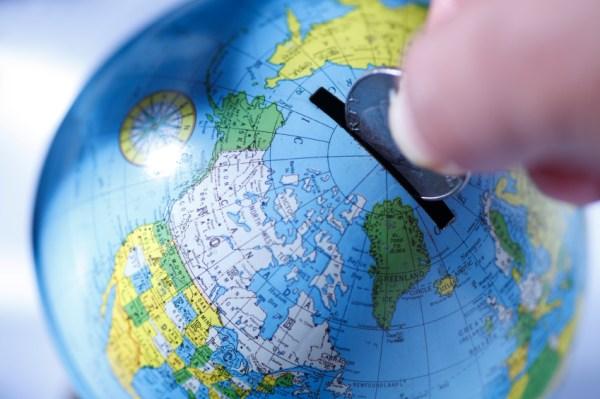 globe-travel-money